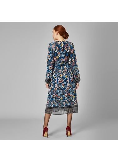 Vekem-Limited Edition V Yaka Uzun Kollu Çiçekli Şifon Elbise Krem